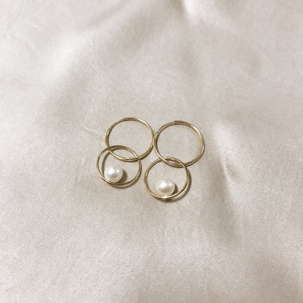 Double Circle Pearl Earrings
