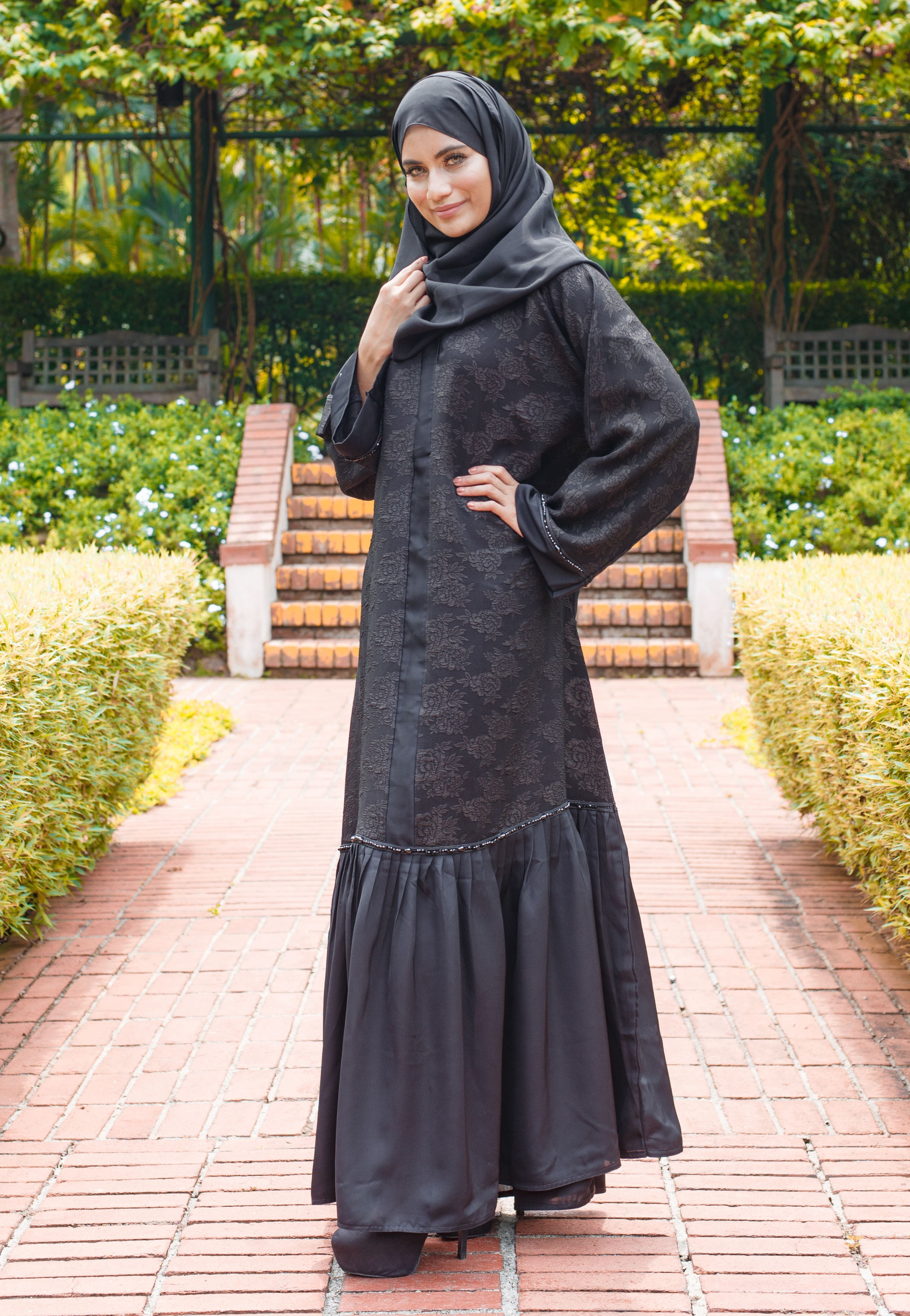 Load image into Gallery viewer, Printed Abaya with Ruffled Flair