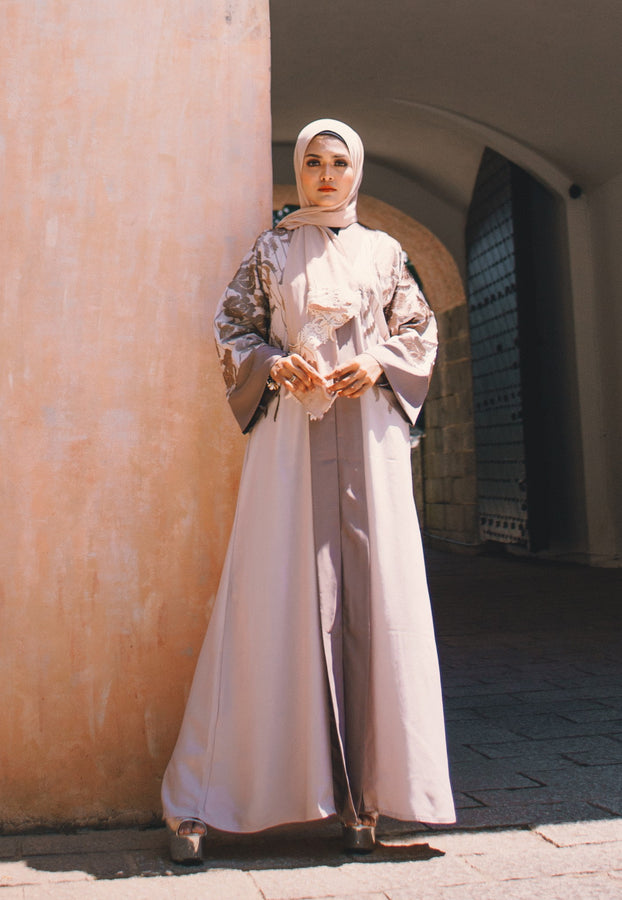 Classic Earth-toned Abaya