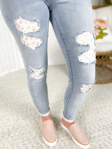 Judy Blue Floral Patch Skinny Jeans