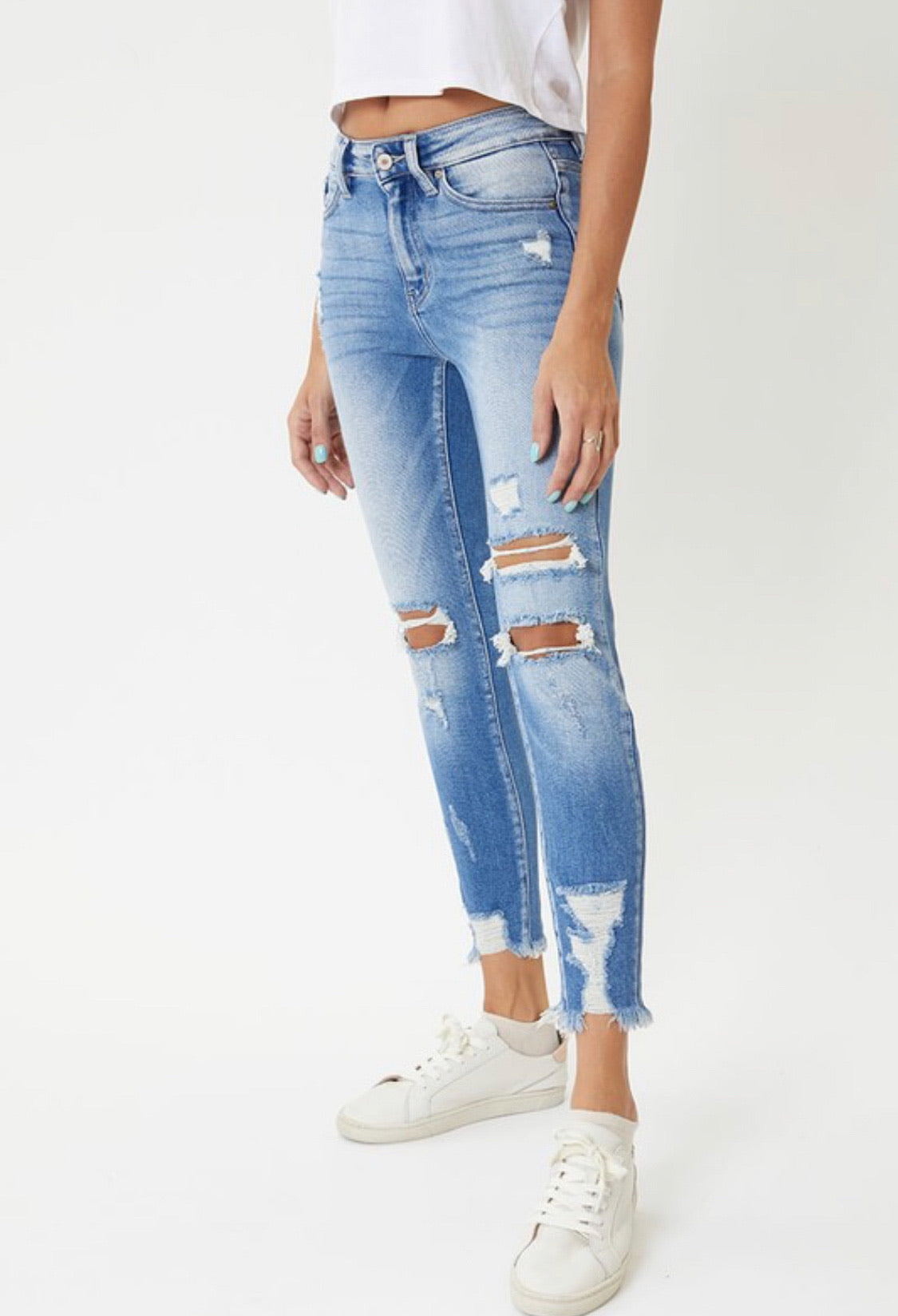 Kancan High Rise Distressed Skinny