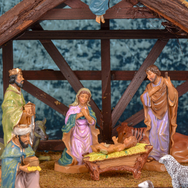 Large Nativity Scene with 12 Figures and Creche