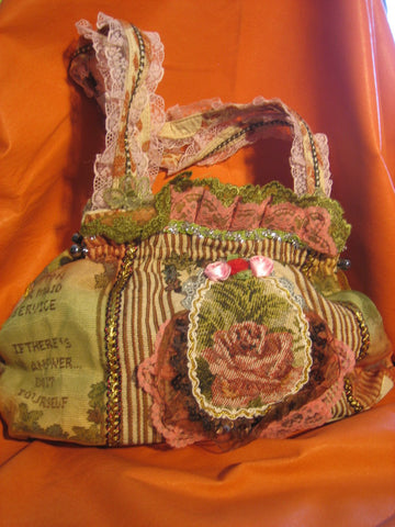 Green/brown vantage purse with 2 cloth handles