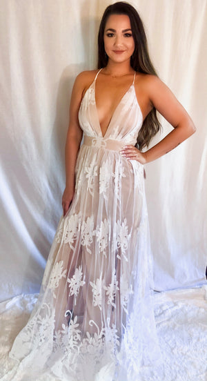 Speechless Lace Maxi Dress - Shop Amour Boutique