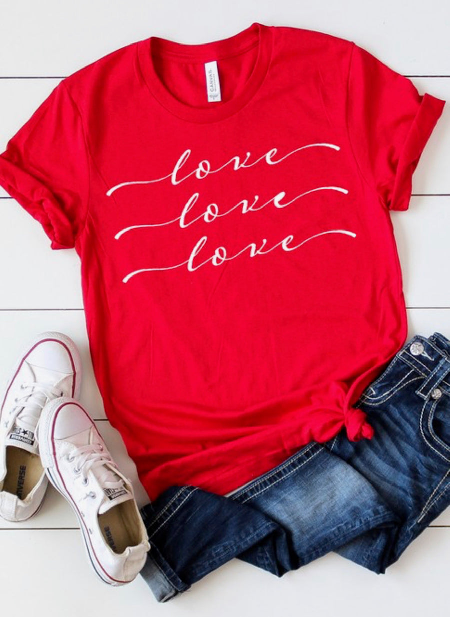 Love Graphic Tee - Shop Amour Boutique