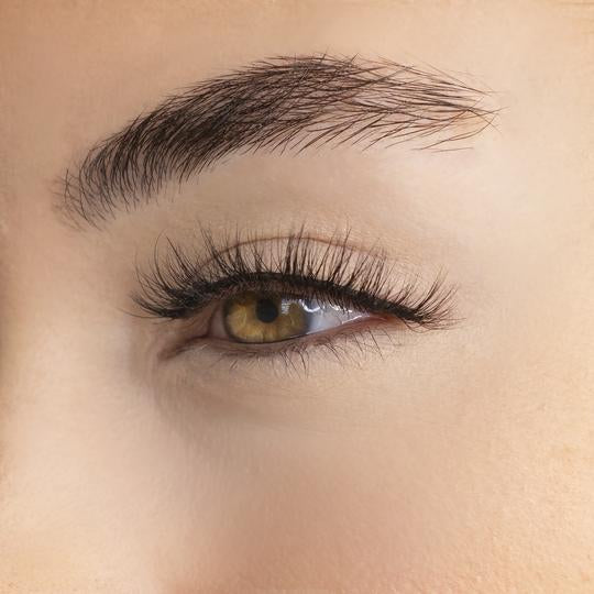awe-inspiring-natural-volume-lashes