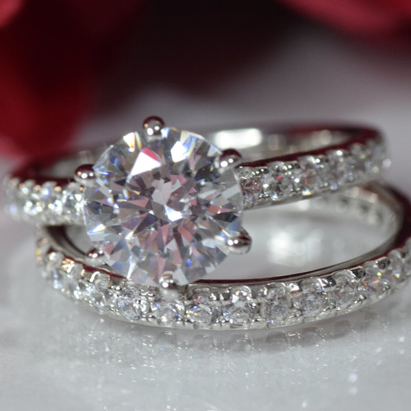 3.637 carats Platinum or Gold Plated Sterling Silver Round Ring Set made with Swarovski Zirconia