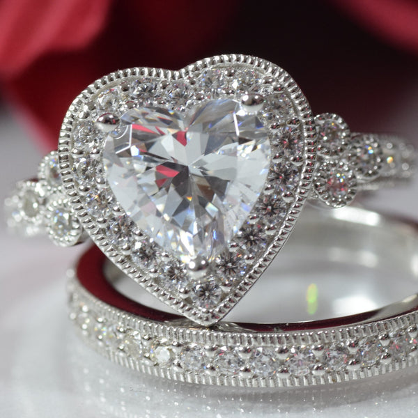 2.71 carats Platinum-Plated Sterling Silver Swarovski Zirconia Heart-Shape Antique Ring Set