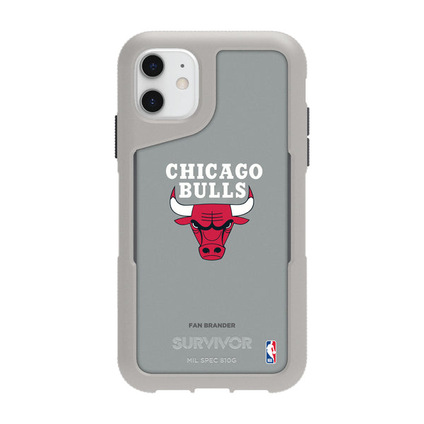 Griffin Survivor Endurance cool grey Phone case with Chicago Bulls Primary Logo
