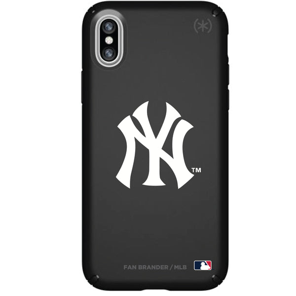 Speck Black Presidio Series Phone case with New York Yankees Primary Logo