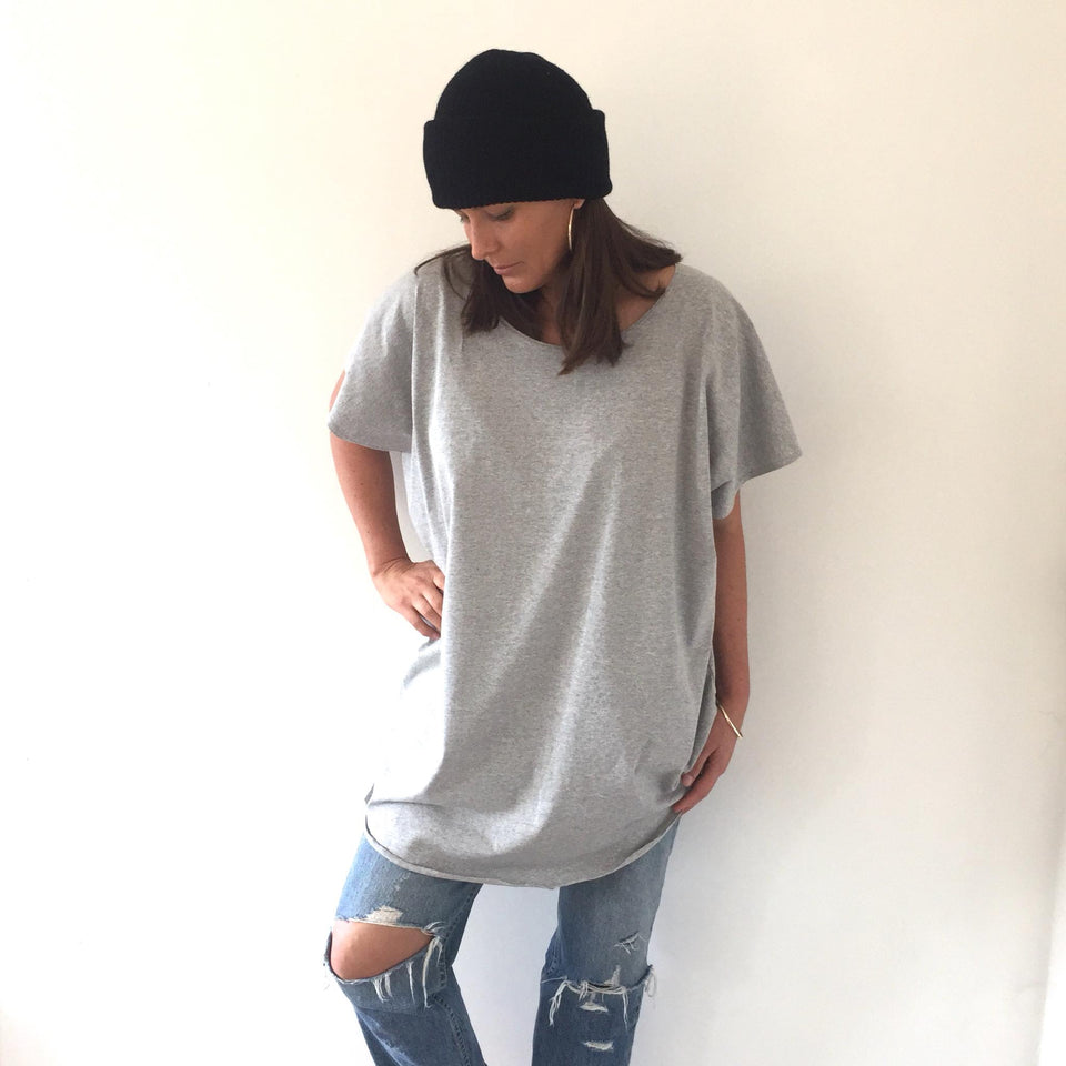 TWO DAUGHTERS circular tee  / grey marle