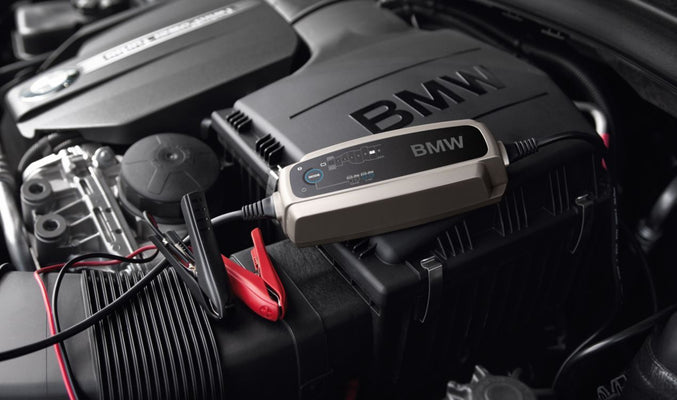 Battery charger suitable for all MINI vehicles