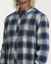 Load image into Gallery viewer, Billabong Men's Coastline Long Sleeve Woven Shirt