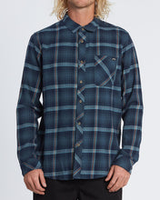 Load image into Gallery viewer, Billabong Men's Freemont Flannel Long Sleeve Shirt