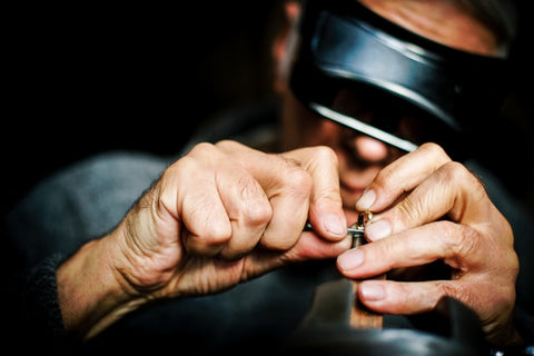 Cleaning jewelry By a Jeweler