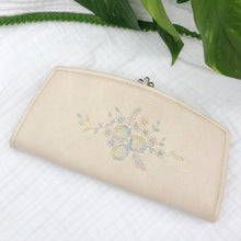 Load image into Gallery viewer, Leather Wallet with Embroidery