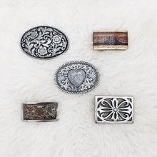 Load image into Gallery viewer, Heart Design Belt Buckle