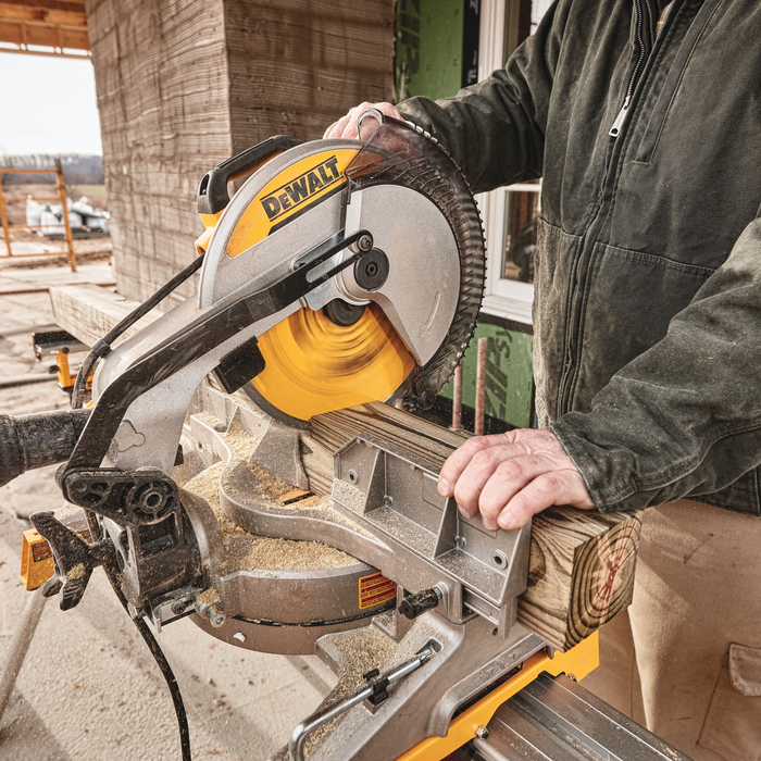 "DeWalt DWS715 12"" Single-Bevel Compound Miter Saw Image 3"