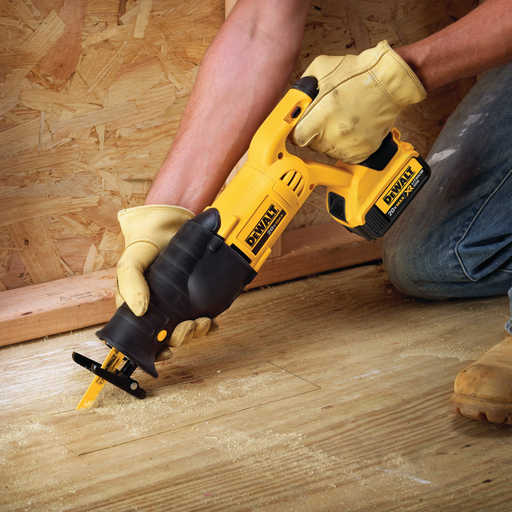 DeWalt DCS380B Cordless Reciprocating Saw Image 2