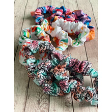 Load image into Gallery viewer, Como La Flor Scrunchie Set