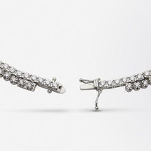 Load image into Gallery viewer, Fine 18kt White Gold and Diamond Riviere Necklace