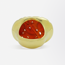 Load image into Gallery viewer, 18kt Gold and 'Floral' Carved Jade Ring