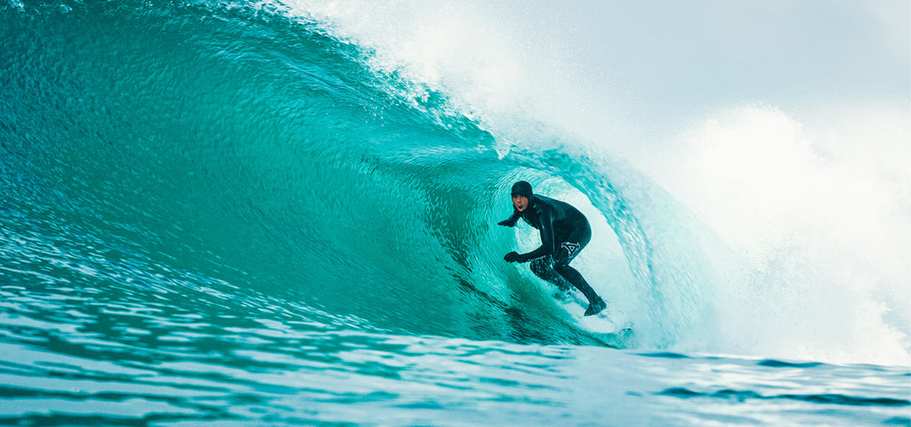Surfer Albee Layer gets tubed on Infinity Surfboard