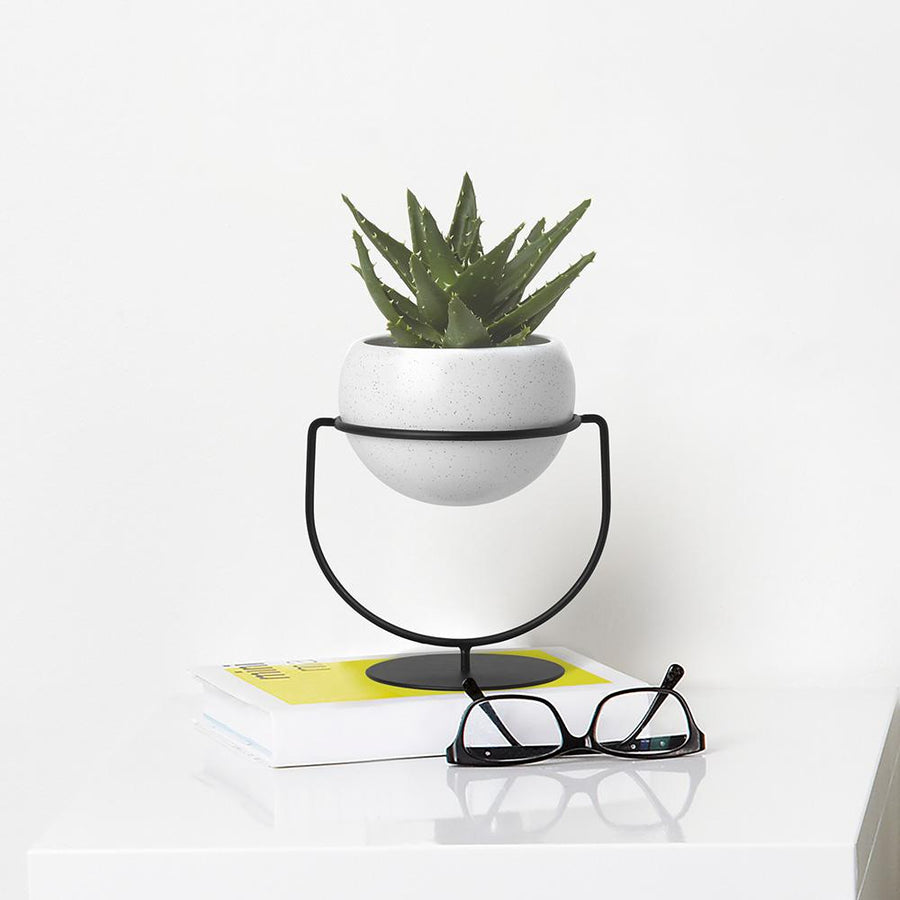 Nesta White Speckle Planter