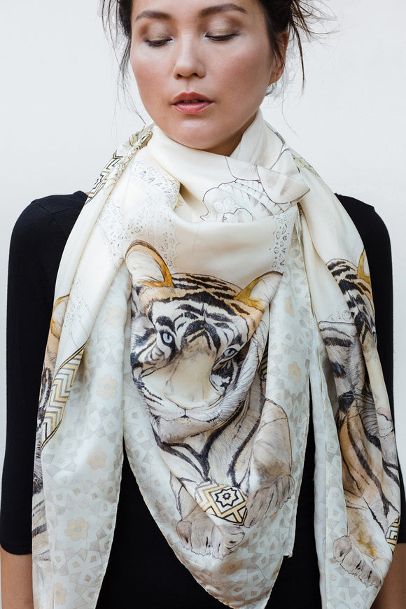 SILK SCARF • TIGER