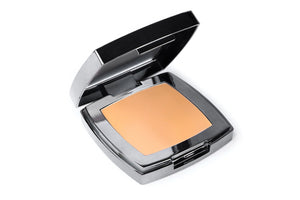 AJ Crimson Dual Skin Foundation #4