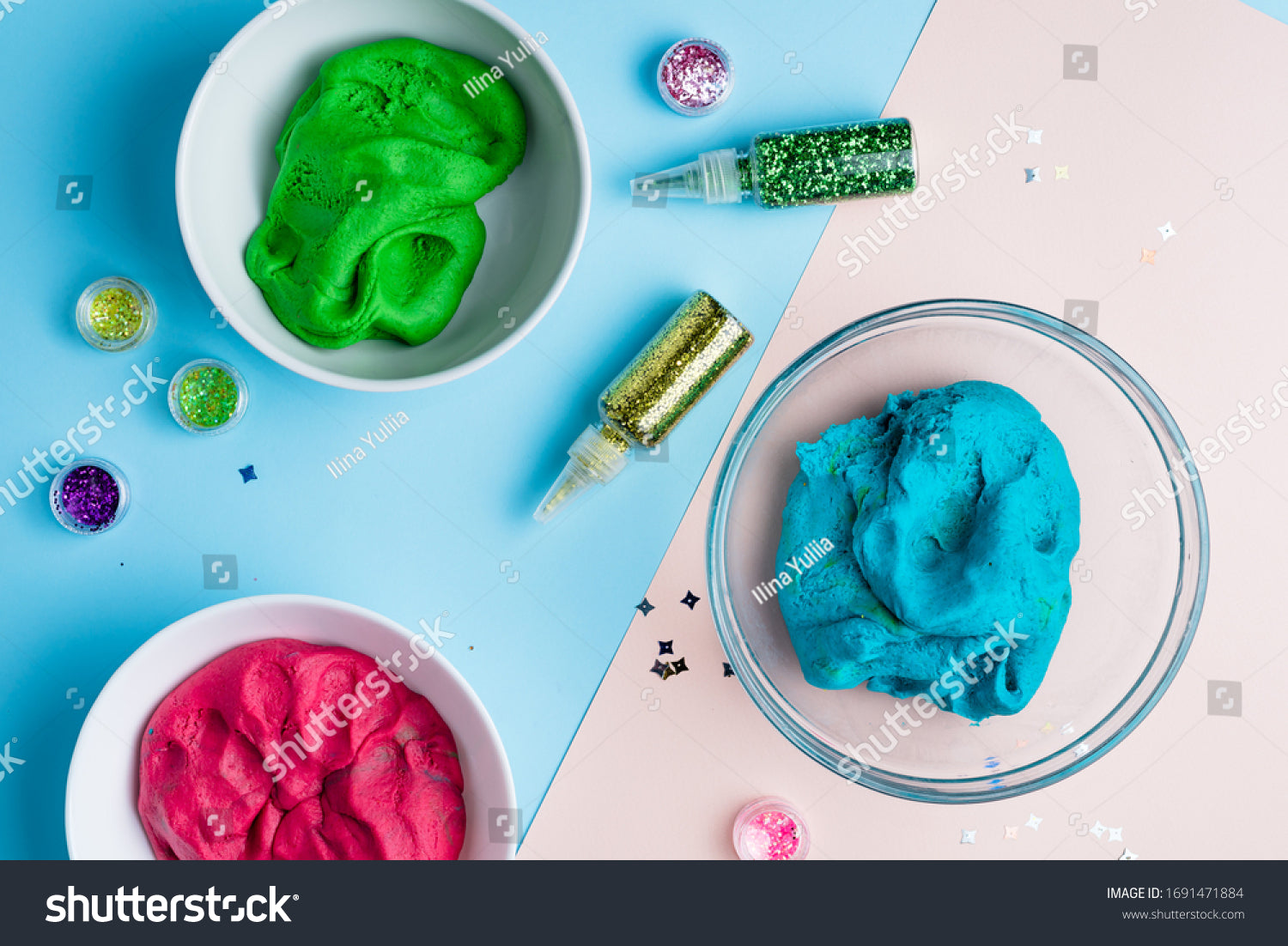 Molding clay or slime