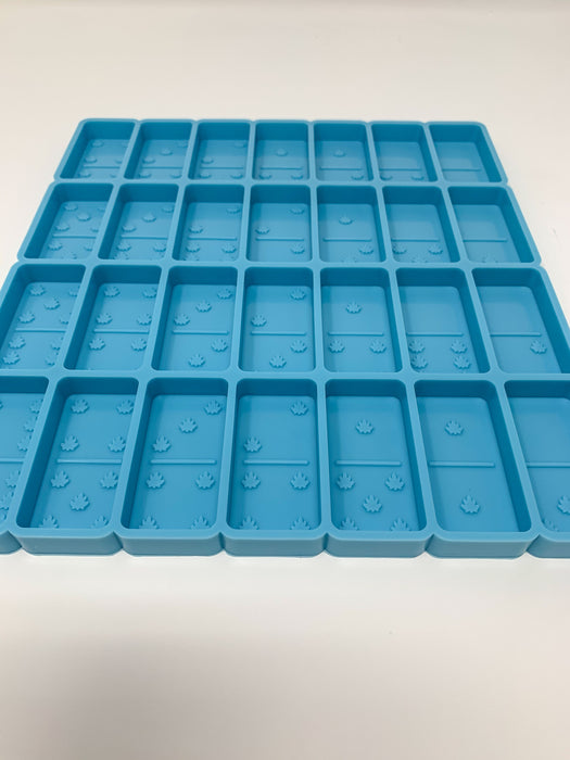 Jumbo Leaf Domino Mold