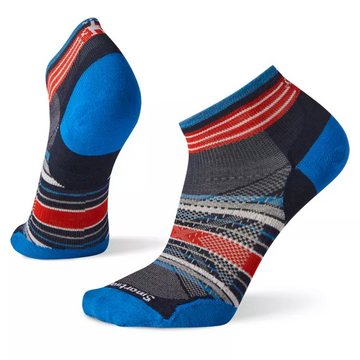 Men's Smartwool PhD Run Ultra Light Pattern Low Cut Sock in Deep Navy