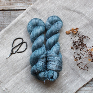 Floras Merino Linen Dark Arctic morning