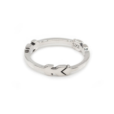 Arrow Link Ring