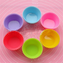 Load image into Gallery viewer, Round Cupcake Mold Bake Ware