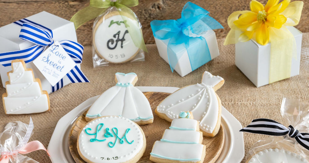 Custom wedding favors and wedding cookie gifts.