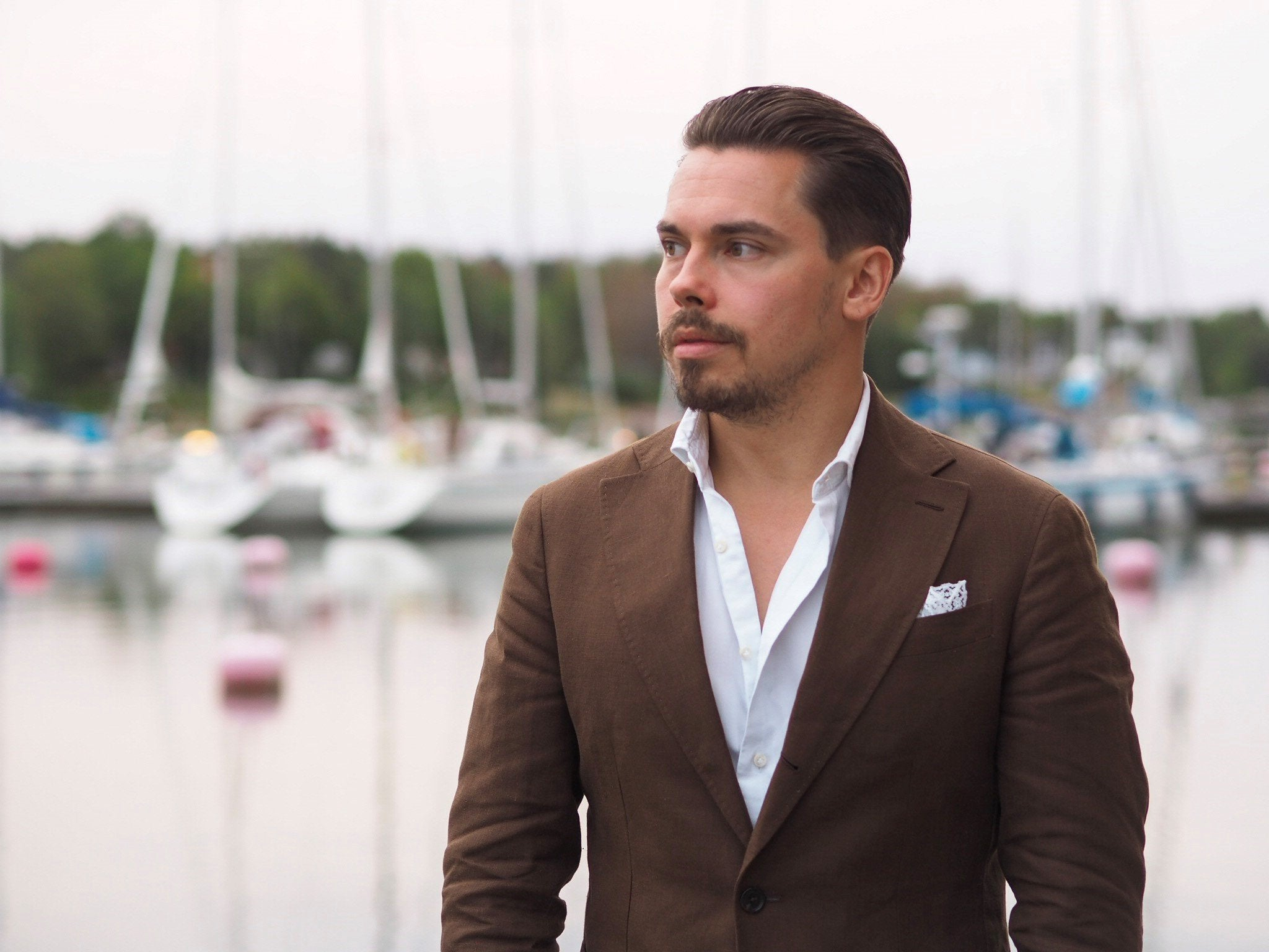 The brown linen suit - summer essential