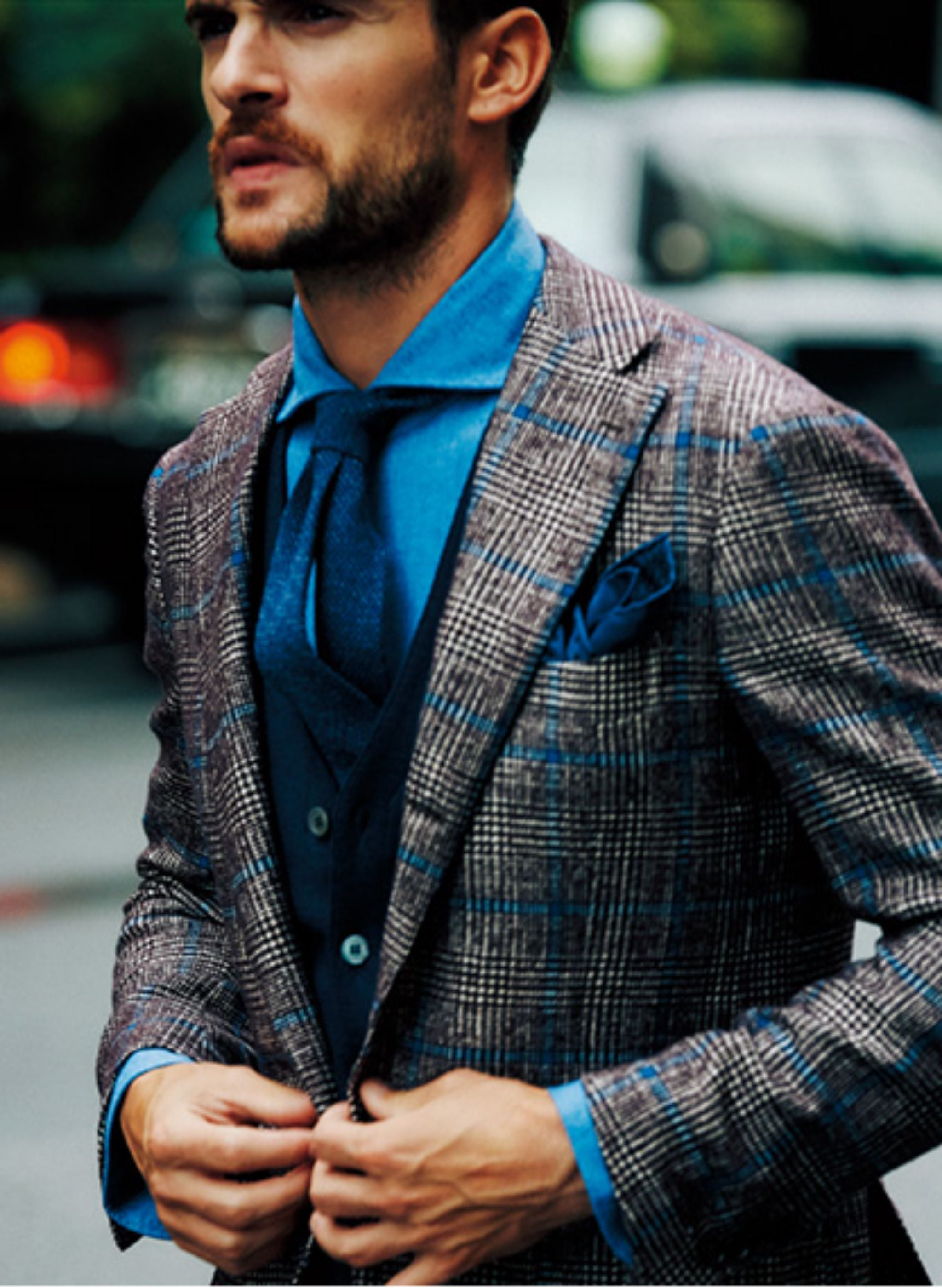 Perfect seasonal layering with a bold sport, cardigan, wool tie and denim shirt.