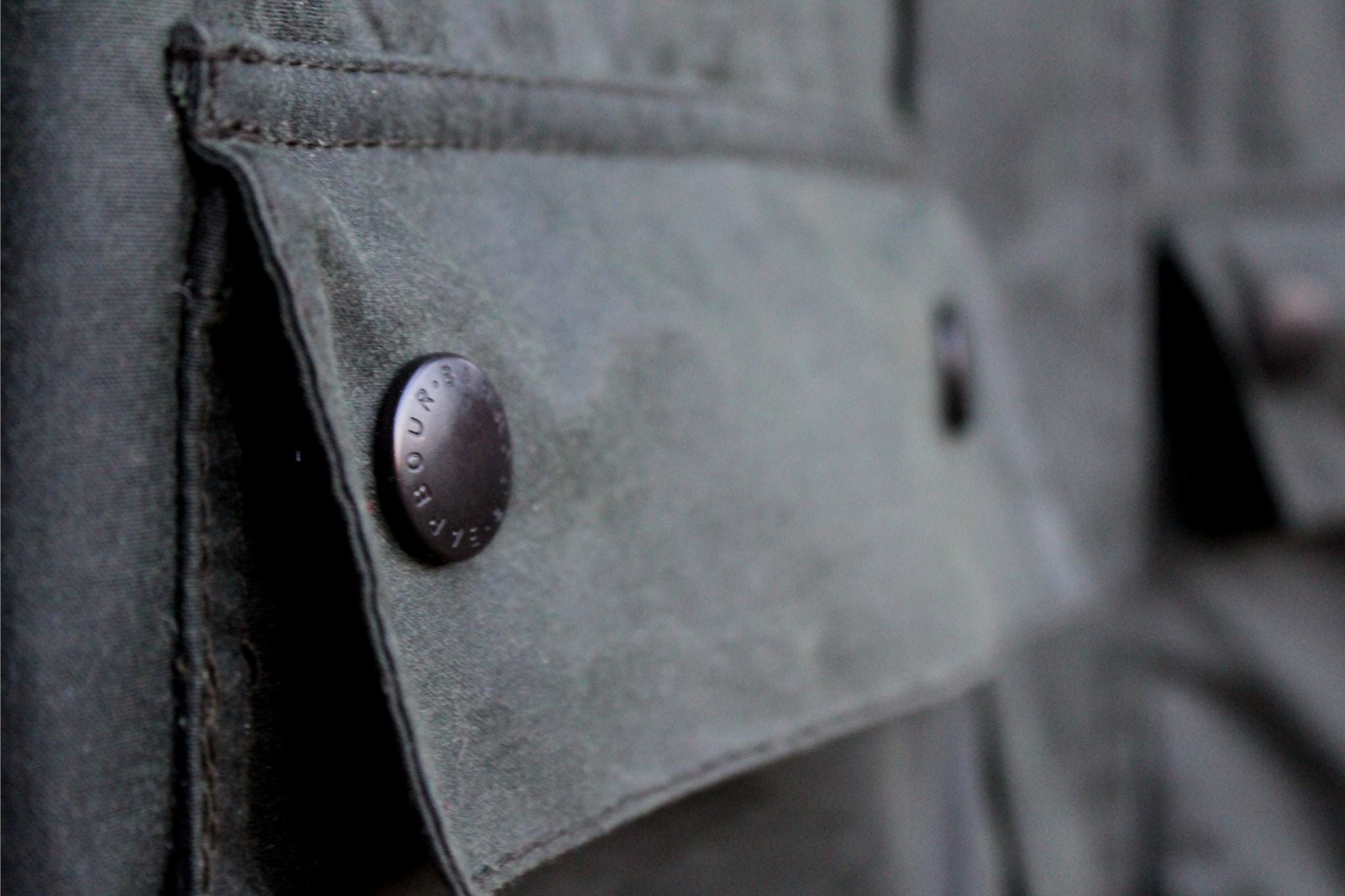Barbour Bedale SL - waxed cotton cloth and pocket details