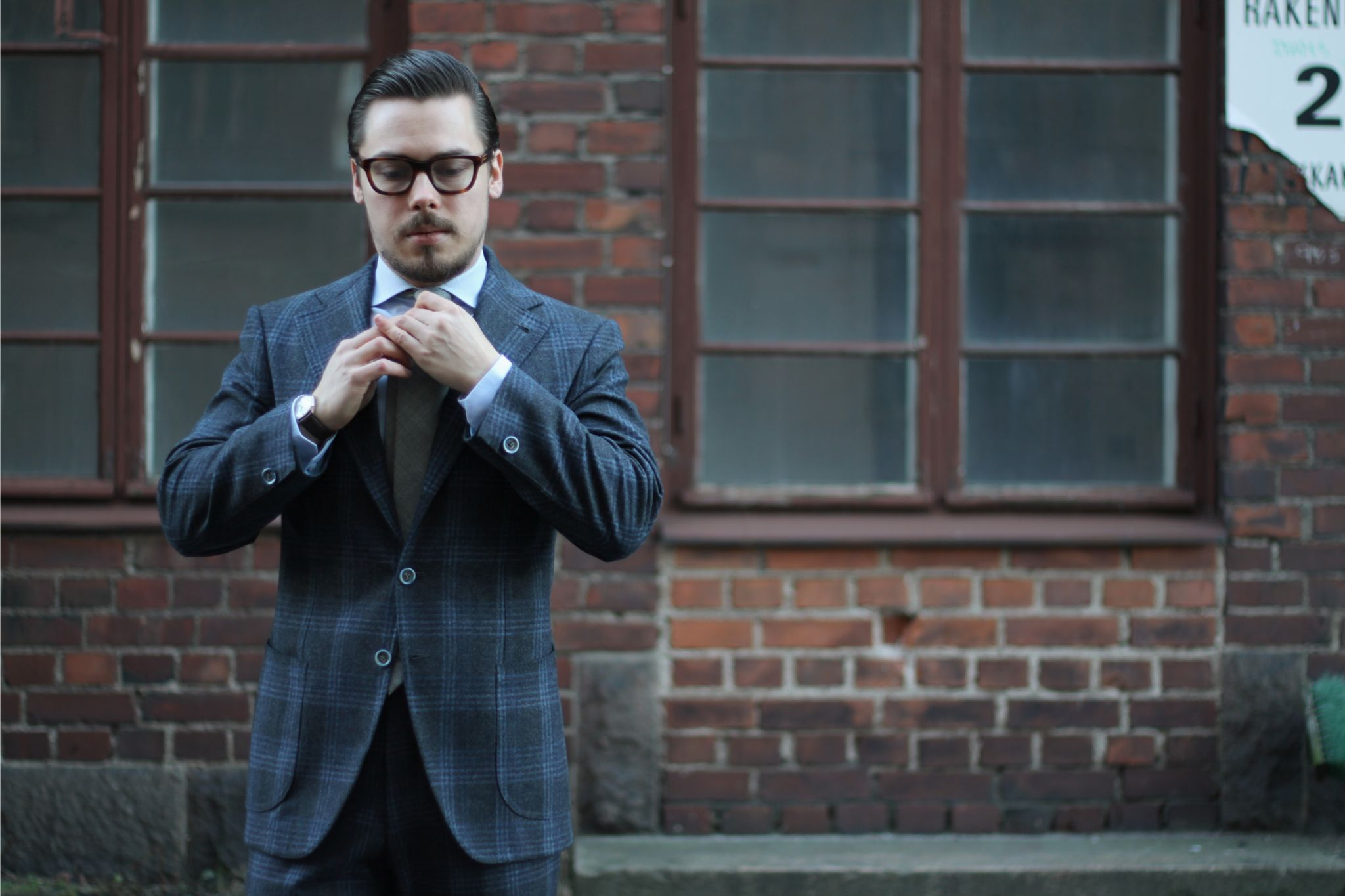How to dress down a suit - G.Abo Napoli suit with checked flannel wool fabric