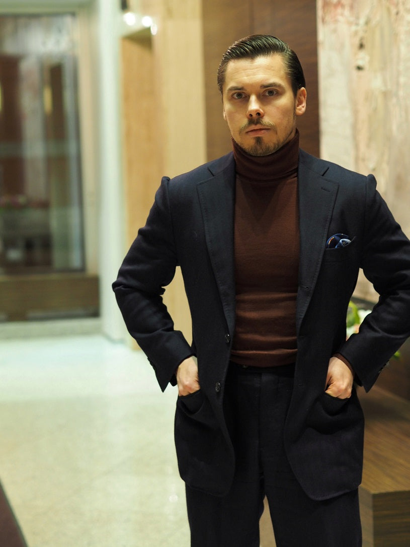 3 different ways to wear the blue suit - Blue-suit-with-burgundy-roll-nec-sweater-for-casual-dinner