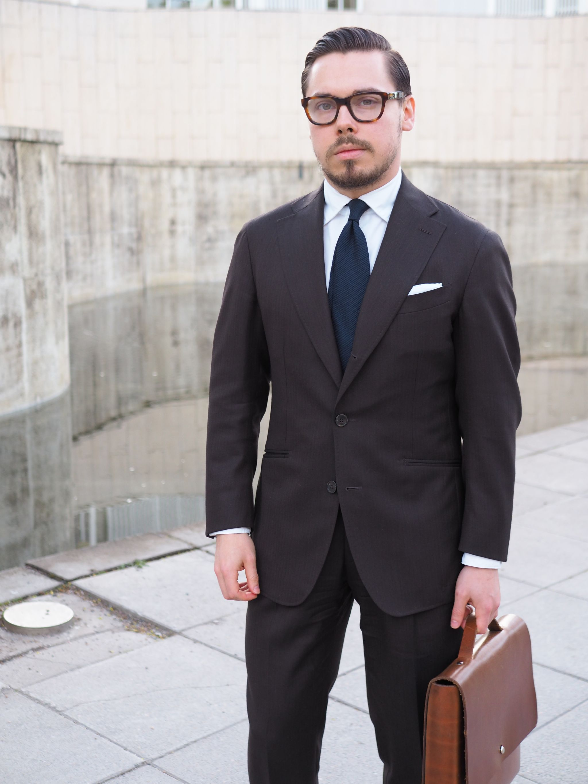 Brown business suit - outfit to wear for the formal business meetings