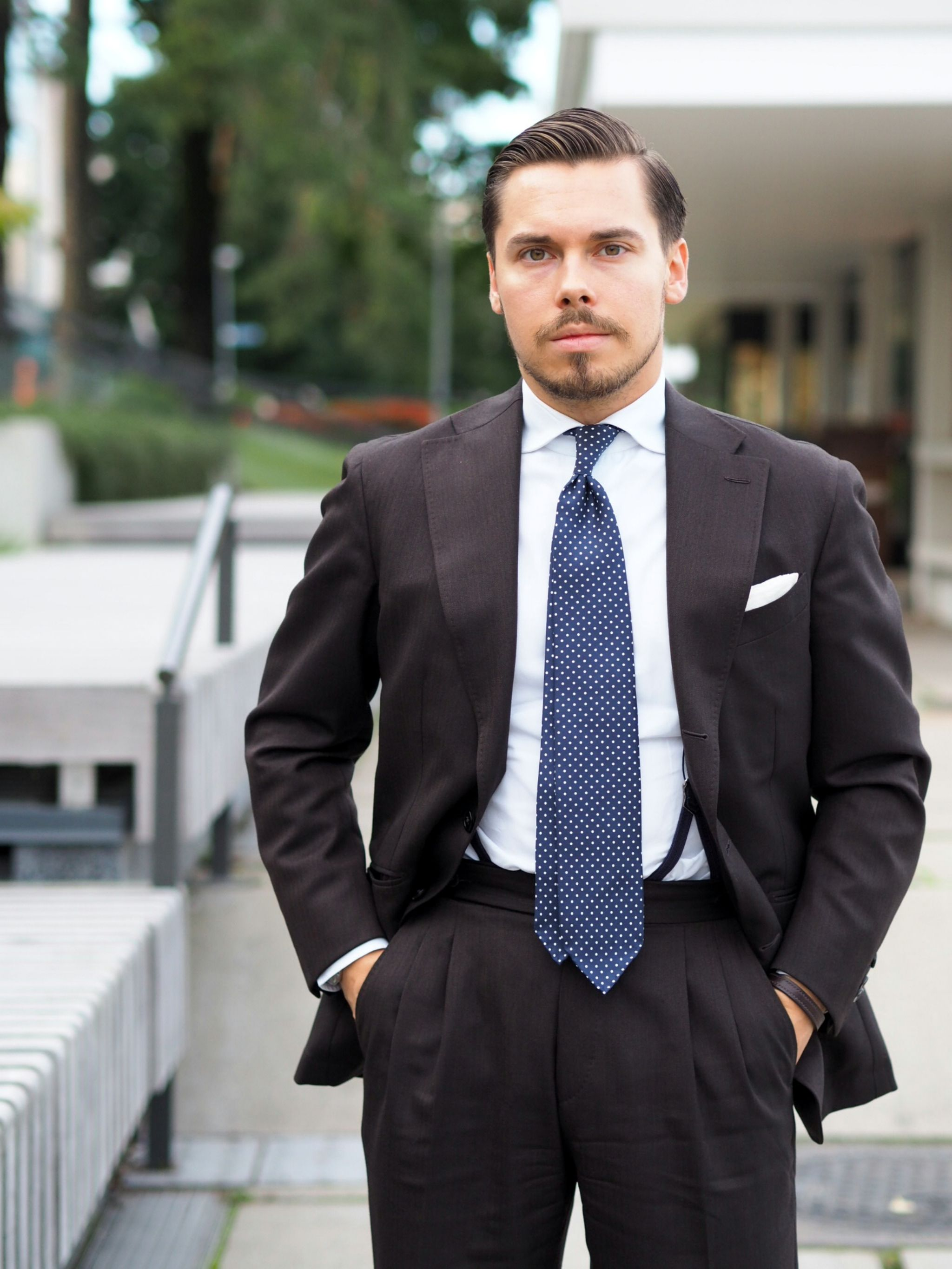 Autumnal business outfits - brown wool suit with blue polka dot tie