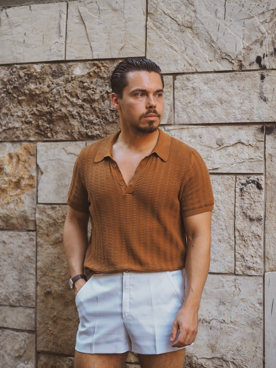 Brown knitted polo shirt with white shorts in Naples