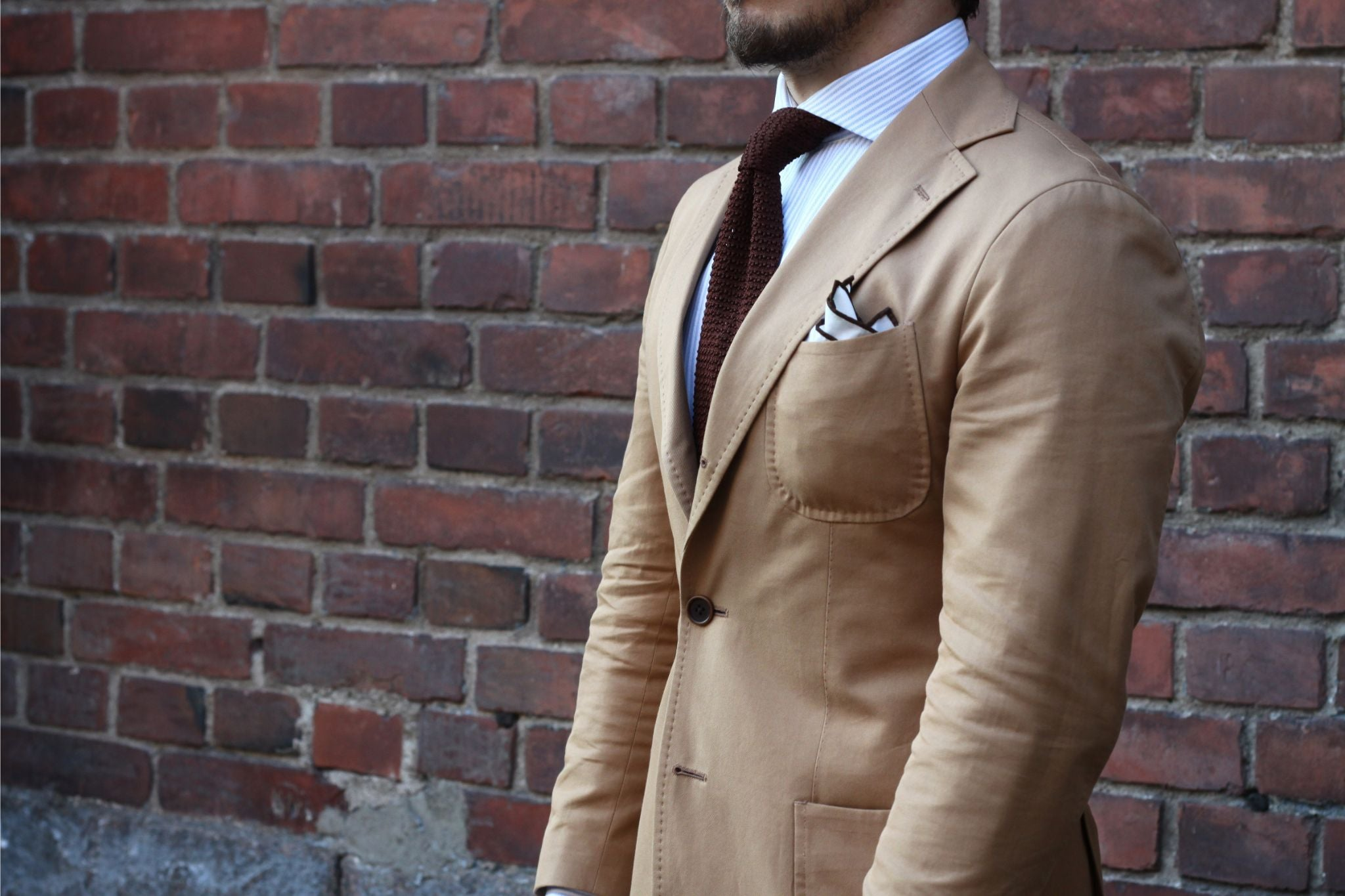 Soft shoulders and drape of the suit jacket