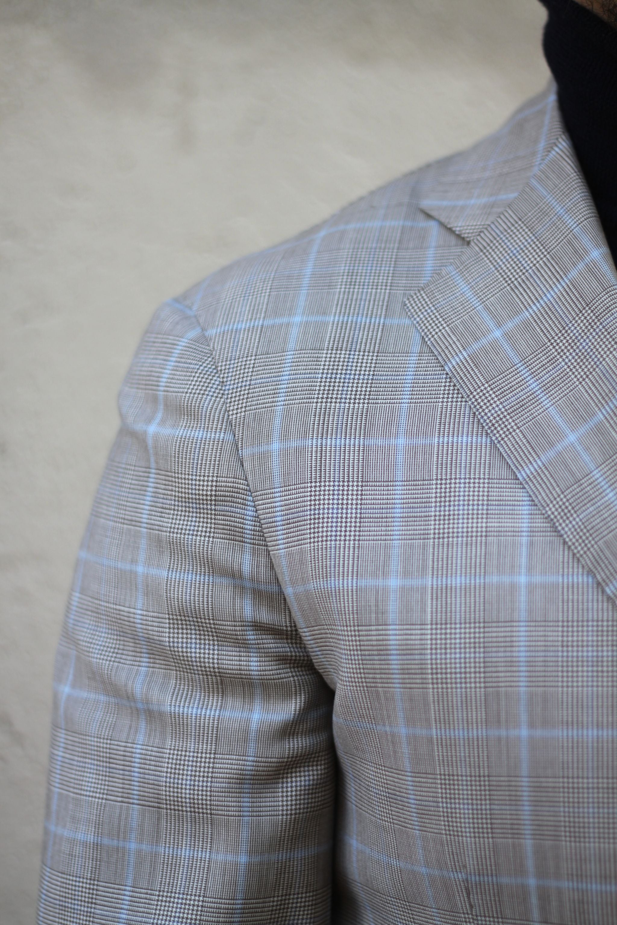 Checked sport coat details