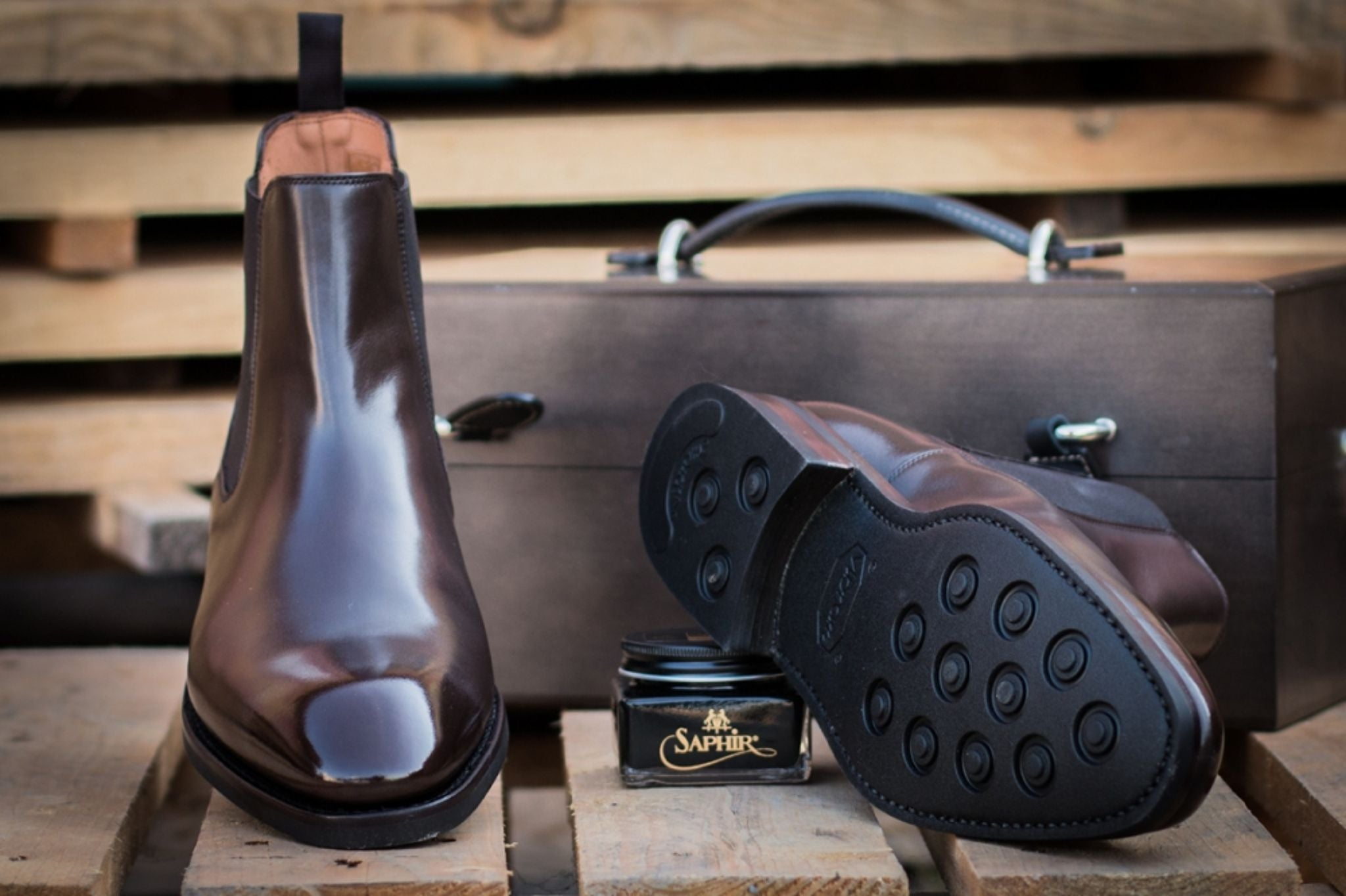 chelsea-boots-in-brown-leather-and-polished-yanko