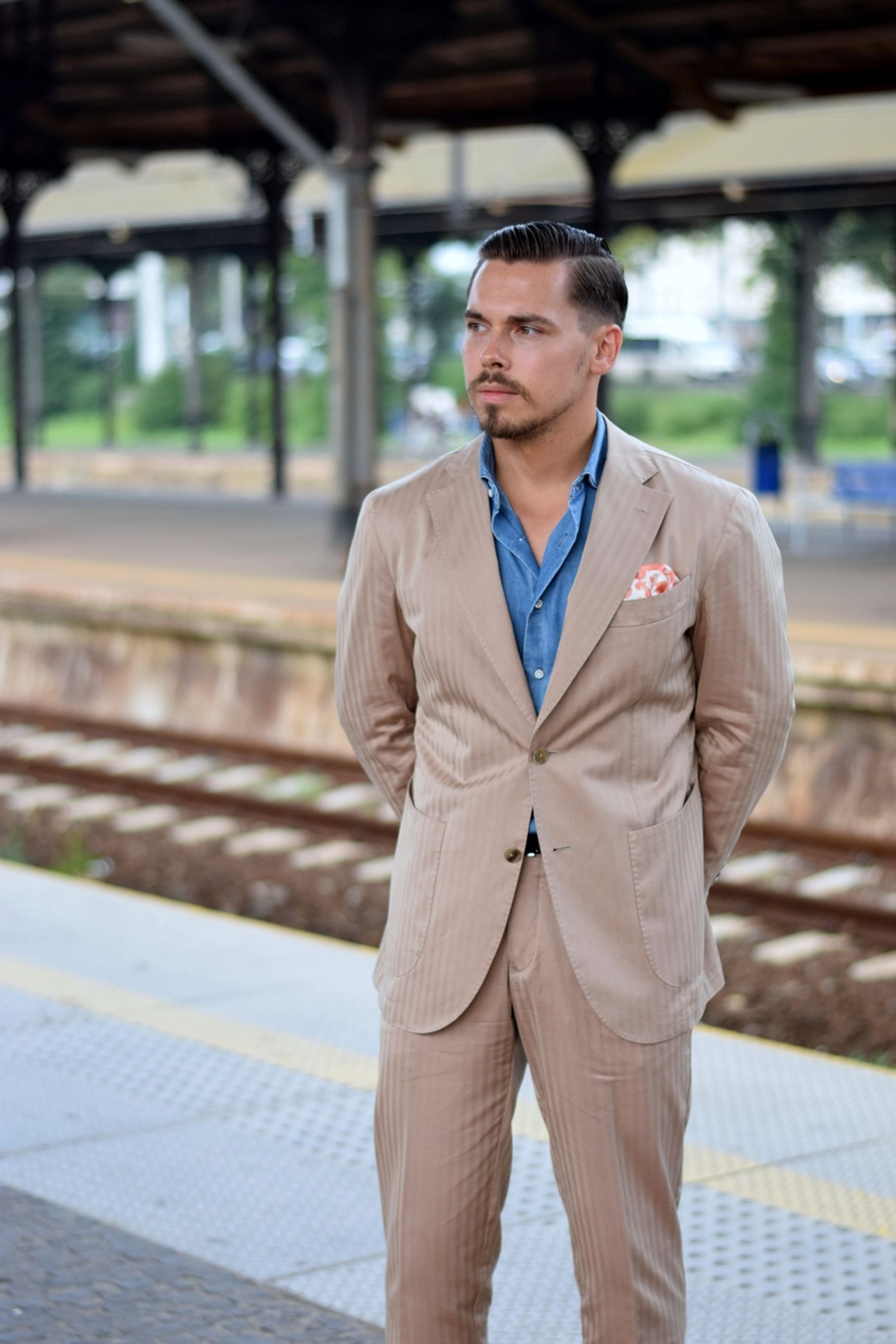 The cotton solaro suit - casual outfit with DLA denim shirt