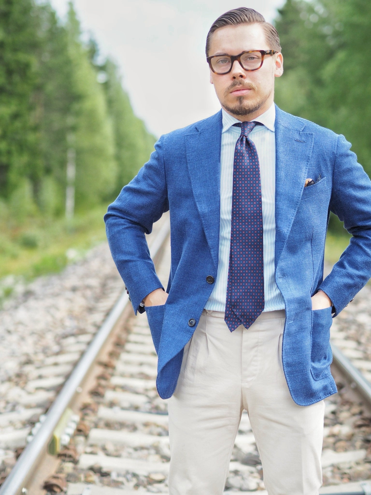 Blue suit jacket as a sport coat - Light shades for summer